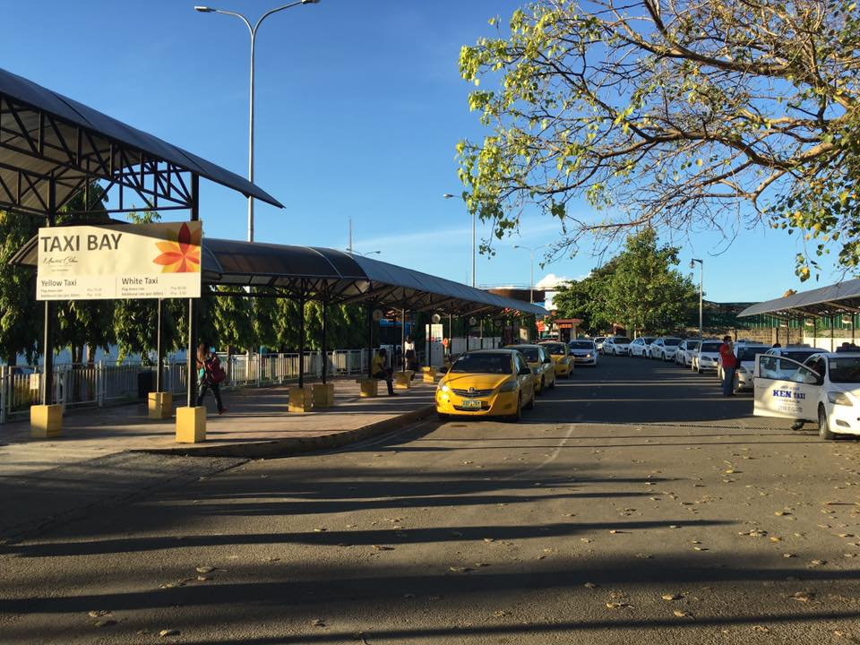セブ島のマクタン空港にあるタクシー乗り場(Taxi bay)
