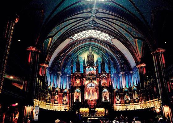 ノートルダム大聖堂をみにモントリオール