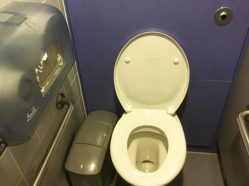 ロンドンの博物館「ナショナルミュージアム」のトイレ