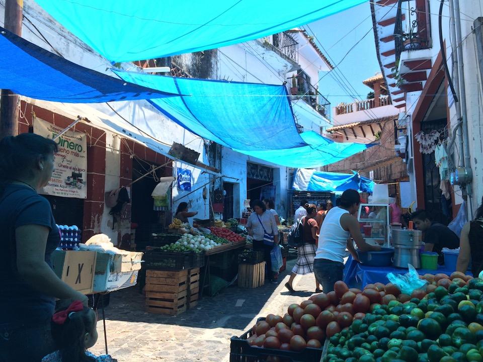 メキシコタスコの市場の様子