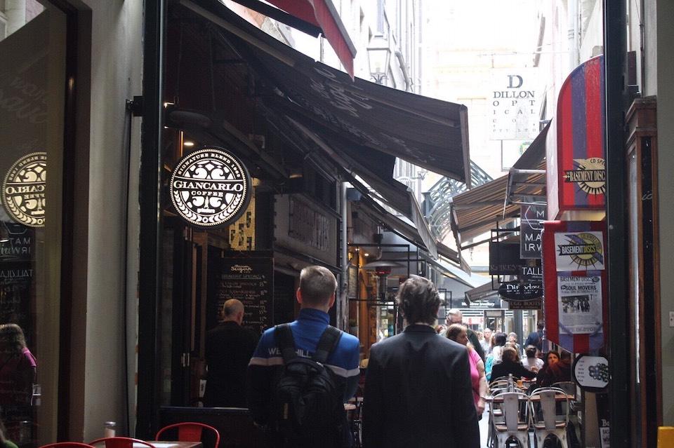 メルボルンのカフェ通り